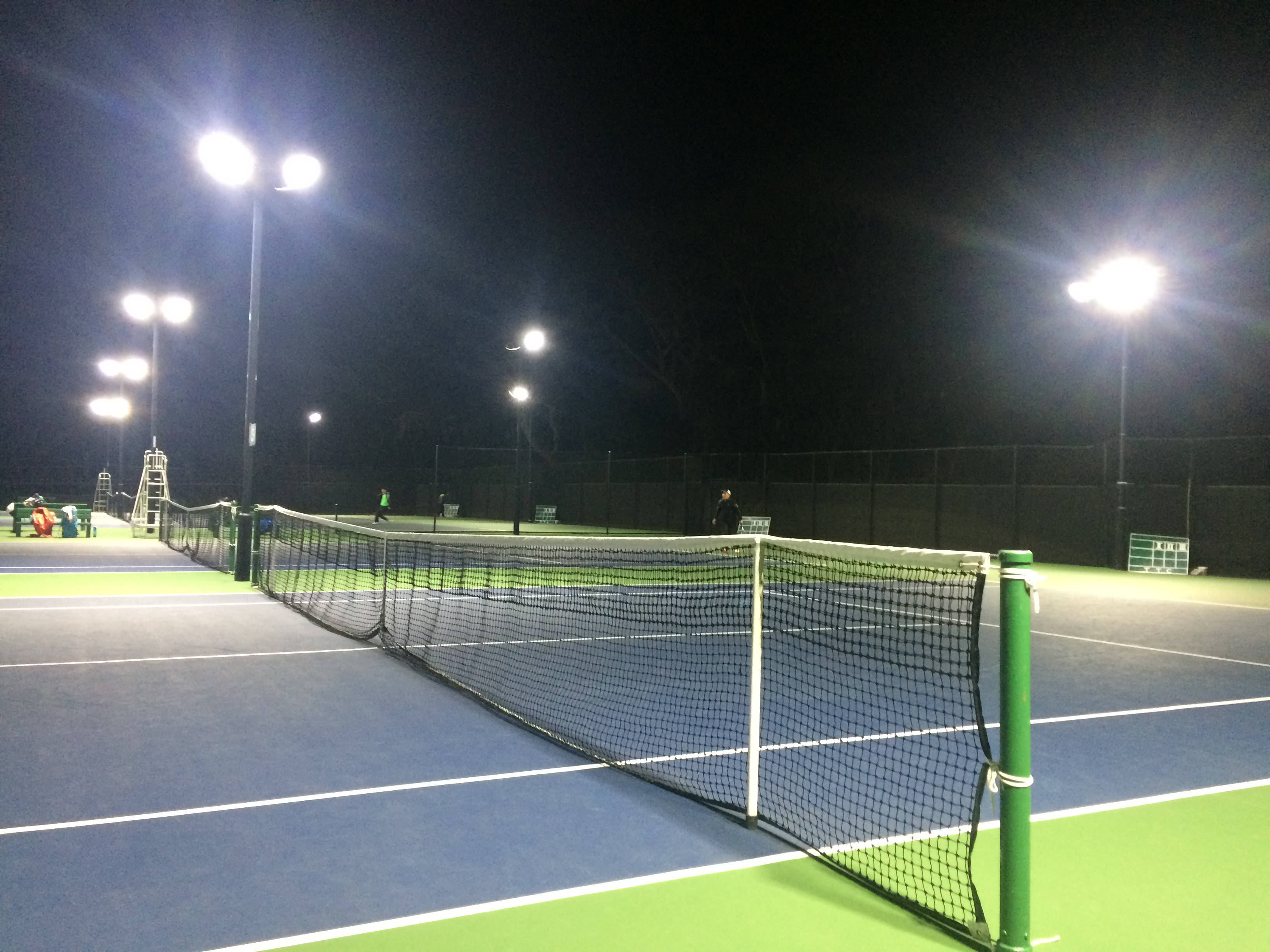 吉田記念テニス研修センターの朝試合!